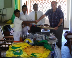 CRICKET EQUIPMENT PRESENTATION BY SCOTT