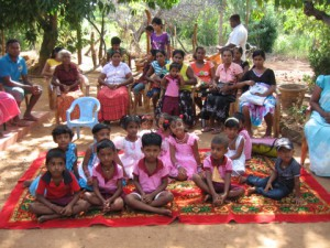 PARAKUMPURA CHILDREN AT GATHERING